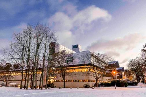 Stockholm University Library in winter. Foto by Jan Löf.